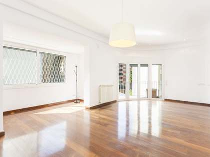 Renovated 205m² apartment for sale on Via Augusta, Barcelona