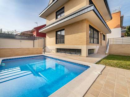 在 Pozuelo, 马德里 284m² 出售 豪宅/别墅