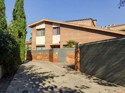 Huis / Villa van 342m² te koop in Urb. de Llevant