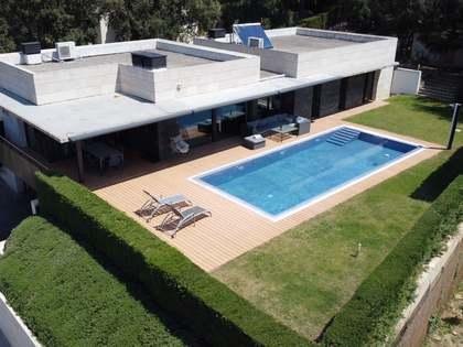Дом / Вилла 306m² на продажу в Calonge, Коста Брава