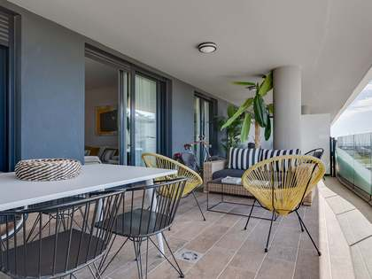 115m² Apartment with 56m² terrace for sale in Badalona