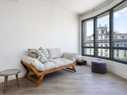 55m² Apartment with 15m² terrace for rent in Eixample Left