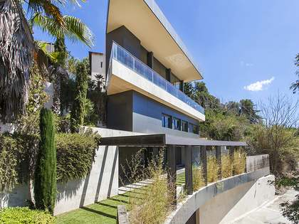 Spectacular designer house to sale with views over Barcelona