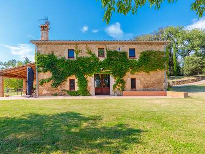 442m² Country house for sale in Pla de l'Estany, Girona