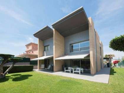 Casa / Villa de 408m² en venta en Vilanova i la Geltrú