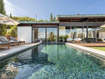 Huis / Villa van 647m² te koop met 1,643m² Tuin in Nueva Andalucía