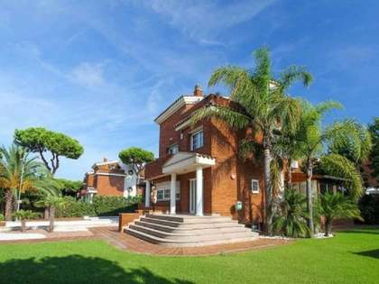 Maison / Villa de 370m² a louer à Gavà Mar, Barcelona