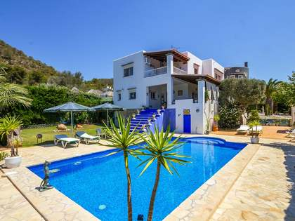 Wonderful 5-bedroom villa for sale near Ibiza Town