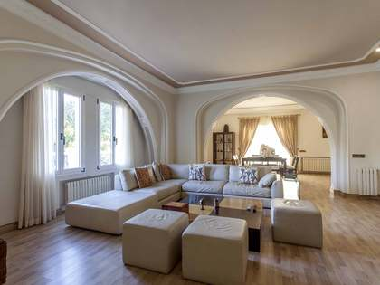 Luxury villa for rent in Godella, near Valencia city