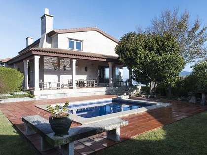 Casa / Vil·la de 420m² en venda a Pontevedra, Galicia