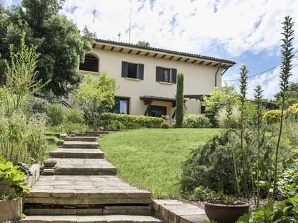 Huis / Villa van 528m² te koop met 750m² Tuin in Sant Cugat