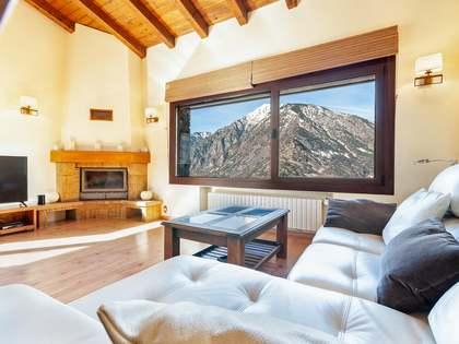 Maison / Villa de 222m² a louer à Escaldes avec 99m² de jardin