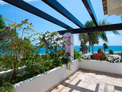 Casa / Villa di 317m² con 93m² terrazza in vendita a Estepona