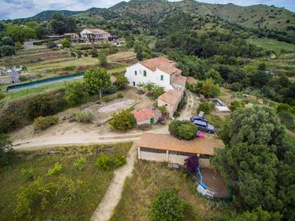 Country house to renovate for sale in Tiana, Maresme