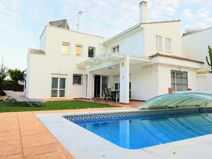 Casa / Villa de 341m² en venta en Málaga, España