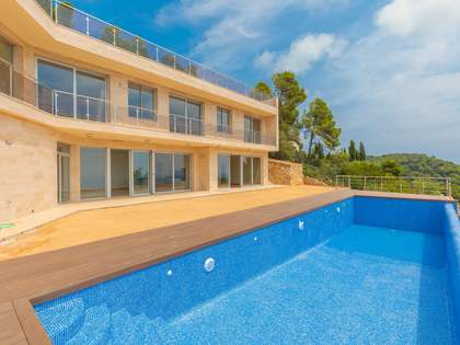 656m² House / Villa for sale in Lloret de Mar / Tossa de Mar