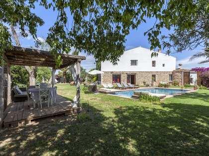 Casa / Villa di 400m² in affitto a La Eliana, Valencia