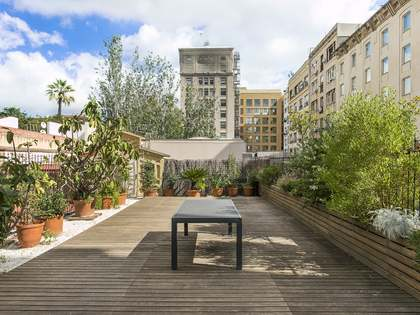 203 m² apartment with 102 m² terrace for sale, Eixample Right
