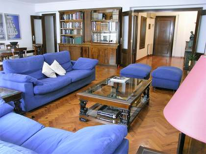 212 m² apartment for sale in El Pla del Real, Valencia