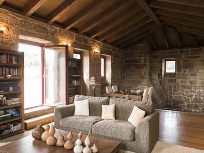 Casa / Villa di 950m² in vendita a Pontevedra, Galicia
