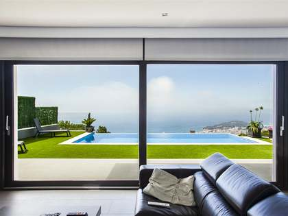 Huis / Villa van 400m² te koop in Lloret de Mar / Tossa de Mar