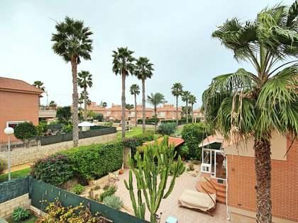 215m² House / Villa with 20m² terrace for sale in Alicante ciudad