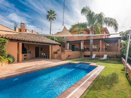 350m² House / Villa for sale in East Málaga, Málaga