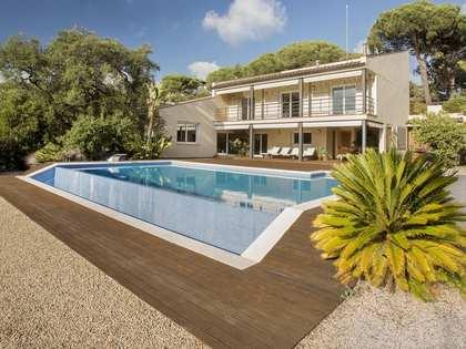 Villa de 4 dormitorios con piscina en venta en Cabrera