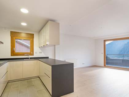 140m² Apartment with 6m² terrace for rent in Escaldes