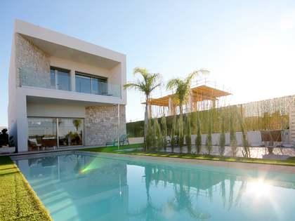 Maison / Villa de 130m² a vendre à Alicante ciudad avec 330m² de jardin