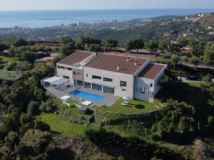 Luxury Costa Brava property for sale with superb views