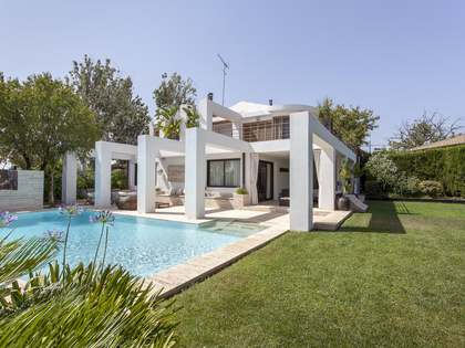 Fantastic 5-bedroom chalet for sale in La Eliana, Valencia