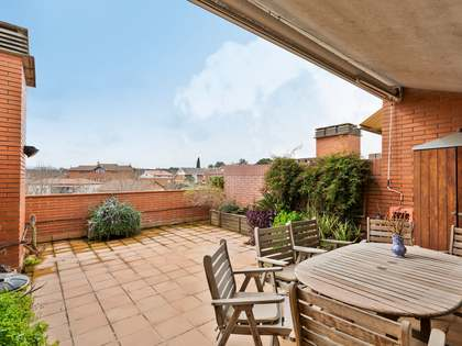 179m² Apartment with 25m² terrace for sale in Sant Cugat