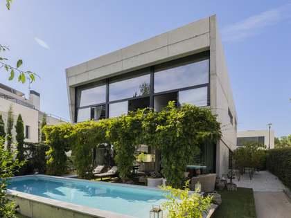 389m² hus/villa till salu i Pozuelo, Madrid
