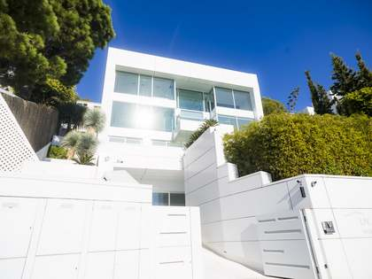 429 m² villa with 280 m² terrace for sale in Levantina