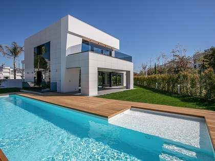 610m² House / Villa for sale in Sitges Town, Barcelona
