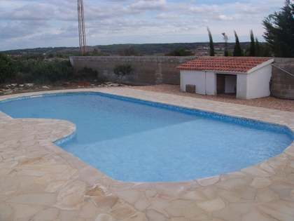 210 m² house with 2,500 m² garden for sale in Ciudadela