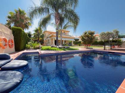 Villa for sale on the New Golden Mile, Estepona, Marbella