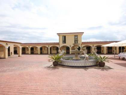 30has equestrian estate for sale close to Barcelona.