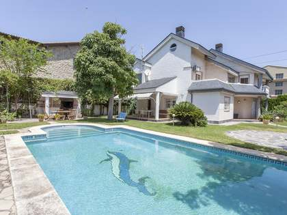 Casa de 300 m² con 800 m² de jardín en alquiler en La Eliana