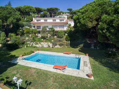 Huis / Villa van 331m² te koop in Sant Andreu de Llavaneres