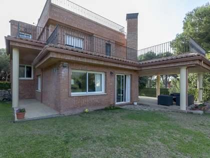 Casa / Villa de 308m² con 692m² de jardín en venta en Los Monasterios