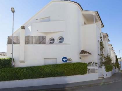 Grande villa moderne en vente à Sitges