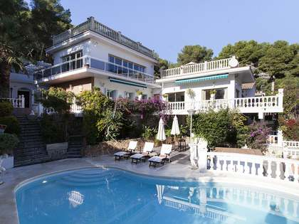 5-bedroom villa with a pool to buy in Bellamar, Castelldefels