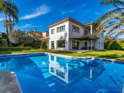 724m² House / Villa for sale in Alella, Maresme