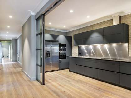 199m² Apartment with 18m² terrace for sale in Eixample Right