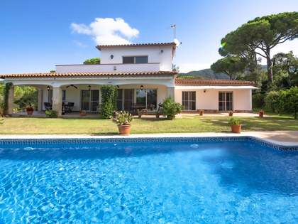 437m² House / Villa for sale in Santa Cristina, Costa Brava