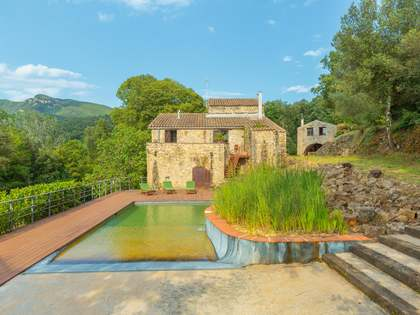 358m² Country house for sale in El Gironés, Girona
