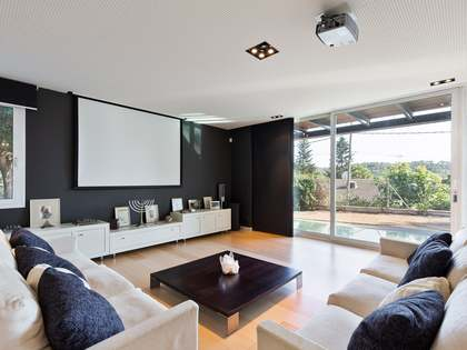 400m² House / Villa for sale in Sant Cugat, Barcelona