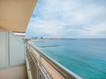 3-bedroom apartment to buy on Antoni de Calonge seafront
